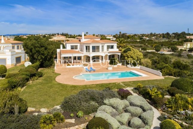 Thumbnail Villa for sale in Lagoa E Carvoeiro, Lagoa (Algarve), Faro