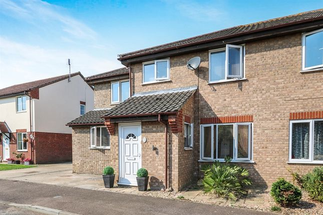 4 bed semi-detached house for sale in Keeling Way, Attleborough