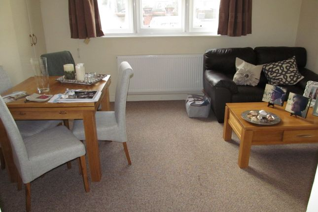 Thumbnail Flat to rent in Kendrick Road, Reading
