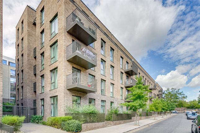 Flat For In Atrium Apartments 12 West Row London