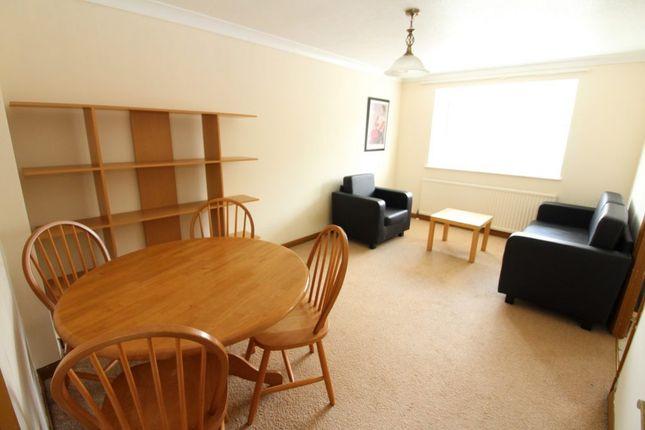 Thumbnail Flat to rent in Hadley Road, New Barnet, Barnet