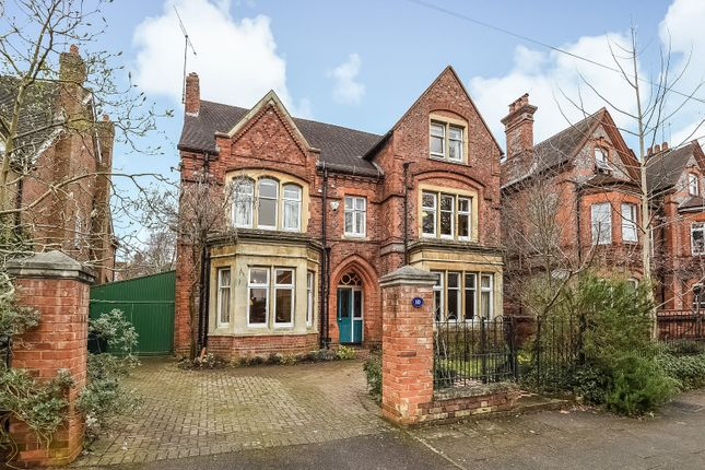 Thumbnail Detached house for sale in Alexandra Road, Reading