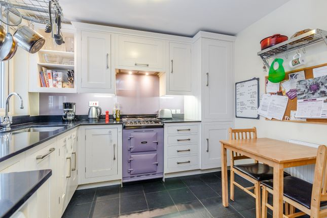 Thumbnail Flat for sale in Flat, Quaker Court, Banner Street, London