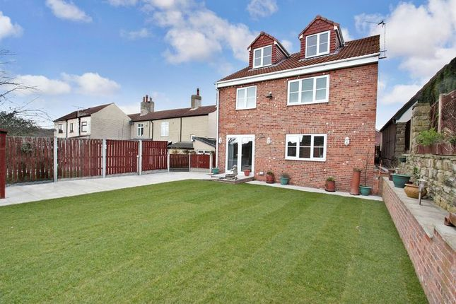 Thumbnail Detached house for sale in Nunns Lane, Featherstone, Pontefract