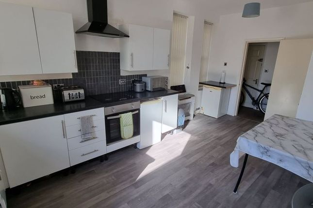 Thumbnail Flat to rent in South Road, Waterloo, Liverpool