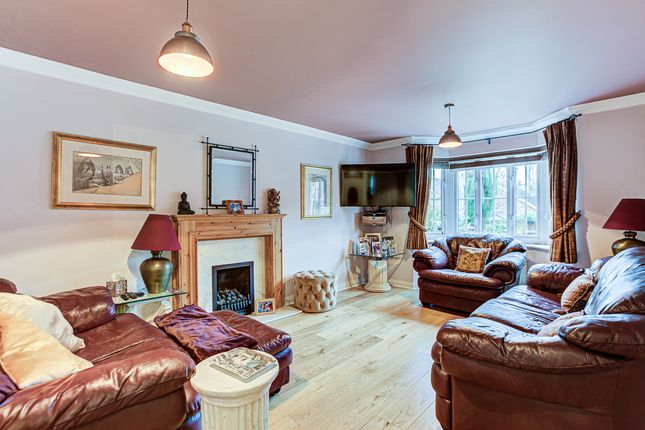 Thumbnail Detached house for sale in Luxford Place, Sawbridgeworth