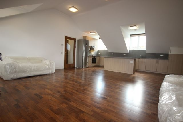 Thumbnail Flat to rent in Baptist Court, North Road, Brentford, London