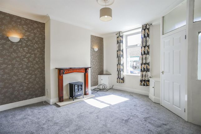 2 bed terraced house to rent in Burnley Road, Briercliffe, Burnley BB10