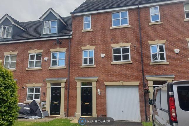 3 bed terraced house to rent in Ursuline Way, Crewe CW2