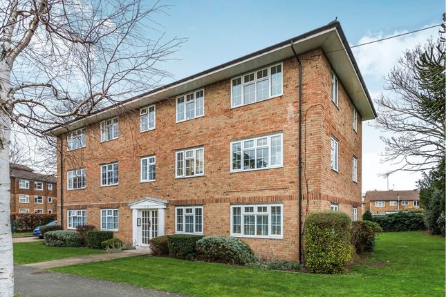 Thumbnail Flat for sale in Robin Hood Lane, Sutton