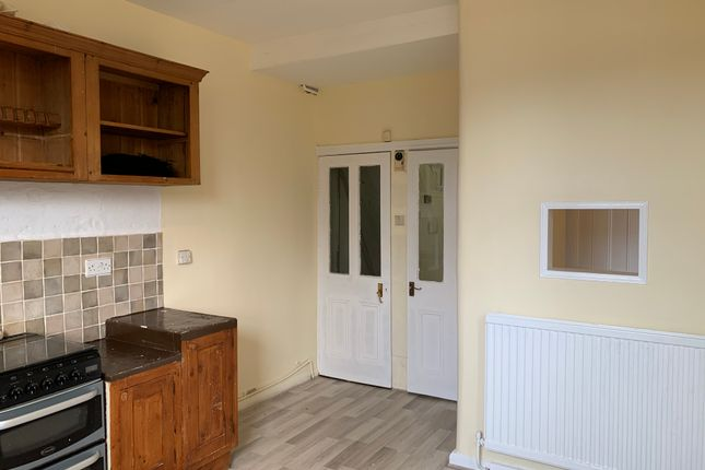 Kitchen of Holtwood Road, Sheffield S4