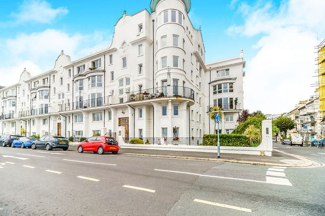 2 bed flat to rent in Grand Parade, Plymouth