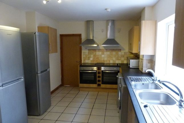 Thumbnail Property to rent in Miskin Street, Cathays, ( 8 Beds )