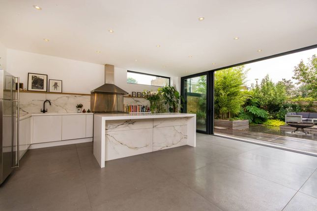Thumbnail Property to rent in Lyndhurst Grove, Peckham Rye