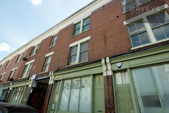 Thumbnail Flat for sale in Temple Dwellings, Temple Street, London