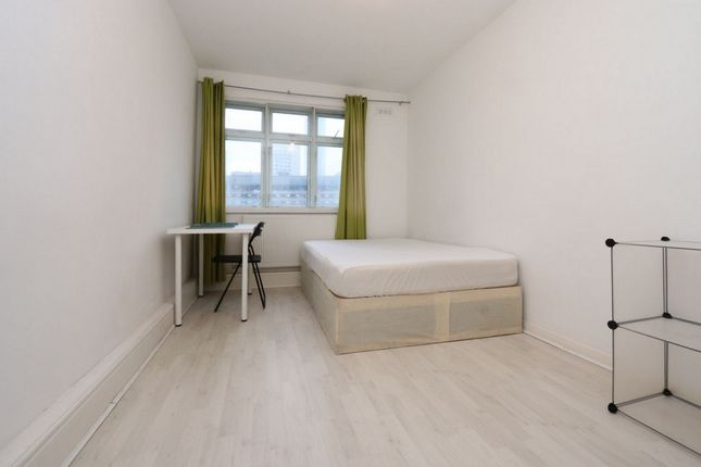 Room to rent in Pennyfields, Westferry E14