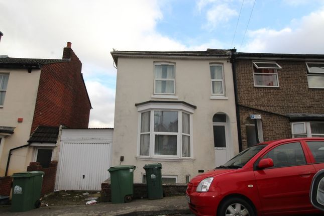 Thumbnail Property to rent in Southcliff Road, Southampton