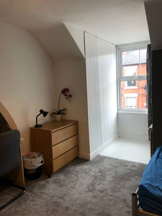 Room 4 - £370 Pcm