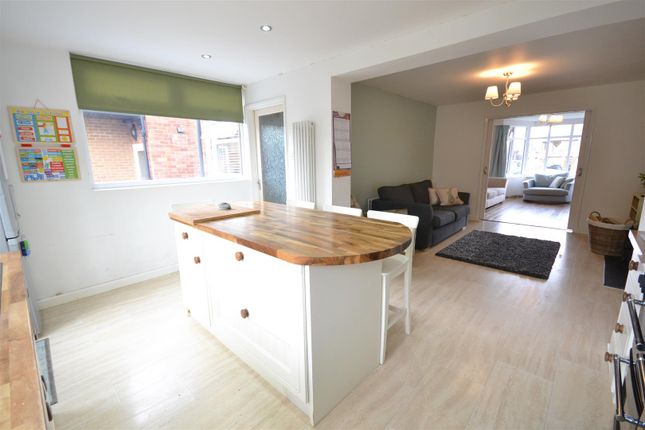Thumbnail Semi-detached house for sale in Oakleigh Road, Stratford-Upon-Avon