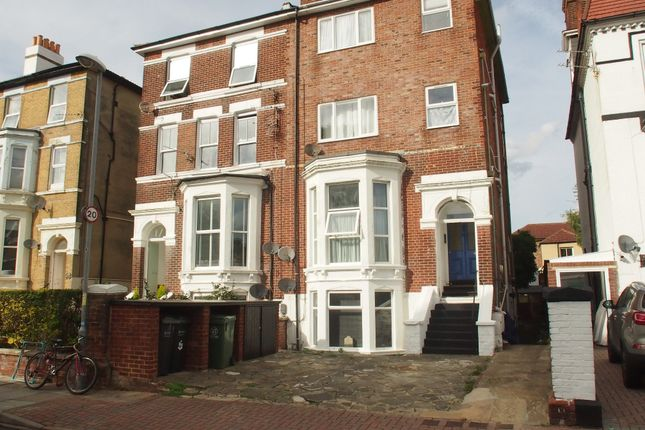 Thumbnail Property to rent in Salisbury Road, Southsea