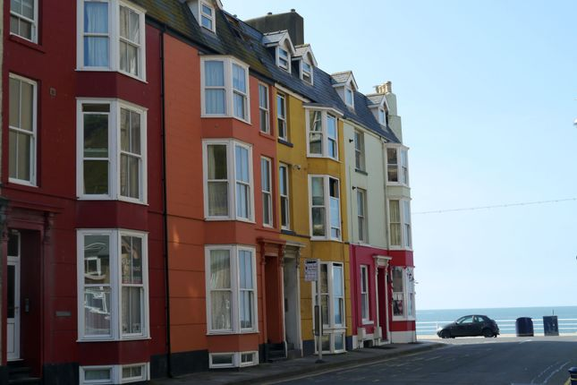 2 bed flat to rent in Albert Place, Aberystwyth SY23