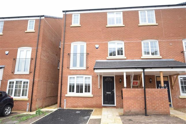 Thumbnail Town house to rent in Holly Close, Stalybridge