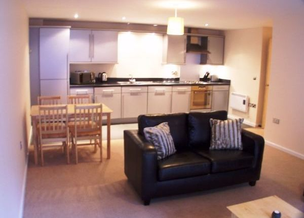 2 bed flat to rent in Rialto Building, City Centre, Newcastle Upon Tyne