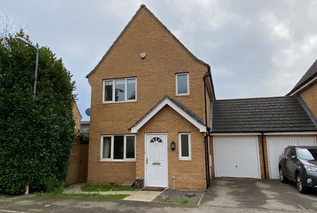 3 bed link-detached house to rent in Baulmsholme Close, Southbridge, Northampton NN4