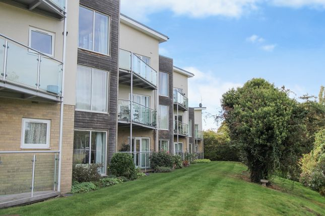 Thumbnail Flat for sale in Maltings Close, Cambridge