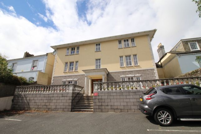 2 bed flat to rent in St. James Road, Torpoint PL11