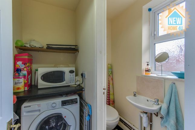 Cloakroom: of Palmer Street, Wrexham LL13