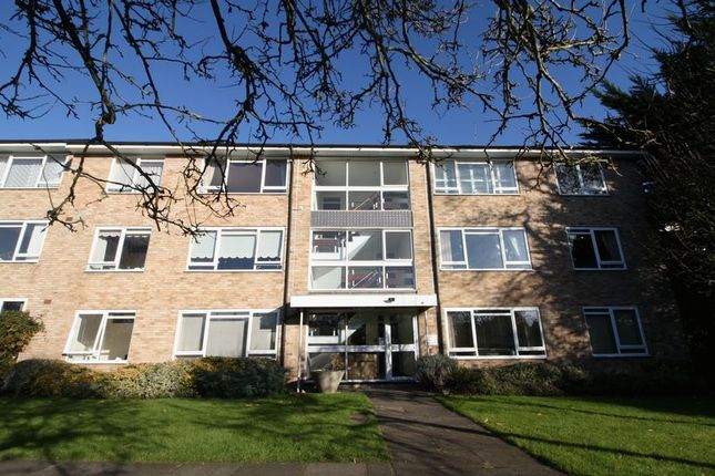 Thumbnail Flat to rent in Hempstead Road, Watford