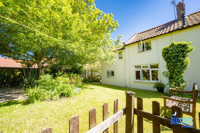Thumbnail Cottage for sale in 10 Peacock Lane, Holt