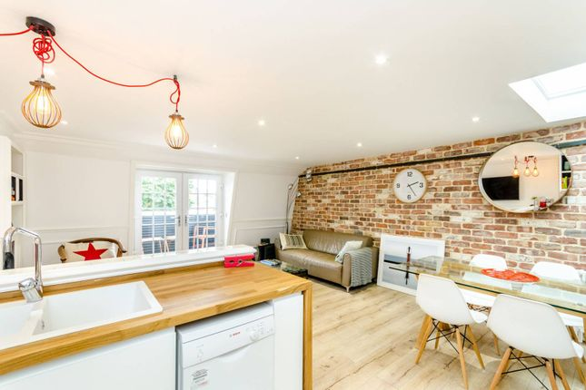 Thumbnail Flat to rent in Stockwell Street, Greenwich