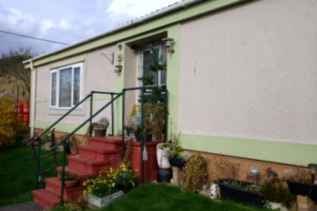 Thumbnail Bungalow to rent in 82 Quedgeley Park, Tuffley, Gloucester