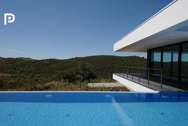Thumbnail Villa for sale in Bensafrim, Algarve, Portugal