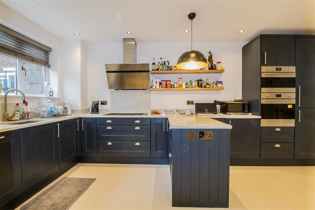 5 bed terraced house to rent in Fairdale Gardens, London SW15