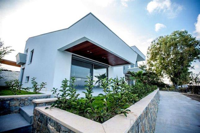 Thumbnail Villa for sale in Chalkidiki, Central Macedonia, Macedonia, Greece