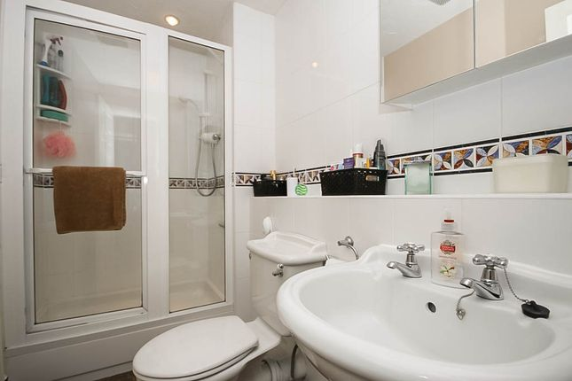 En-Suite of Trafalgar Road, Birkdale, Southport PR8