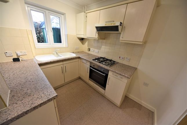 Thumbnail Property to rent in Sandpiper Close, Waterlooville