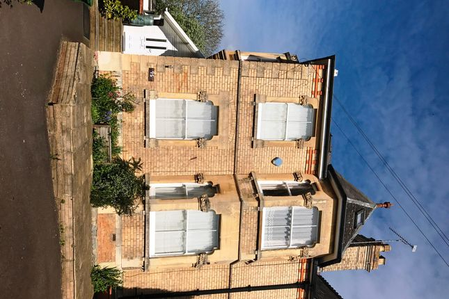 Thumbnail Studio to rent in South Road, Taunton