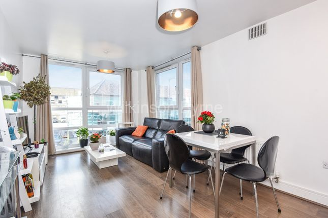 Thumbnail Flat for sale in Station Road, London