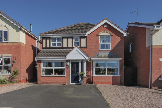 Thumbnail Detached house for sale in Ivy Grove, Brownhills, Walsall