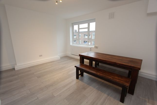 Thumbnail Flat to rent in Sparsholt Road, London