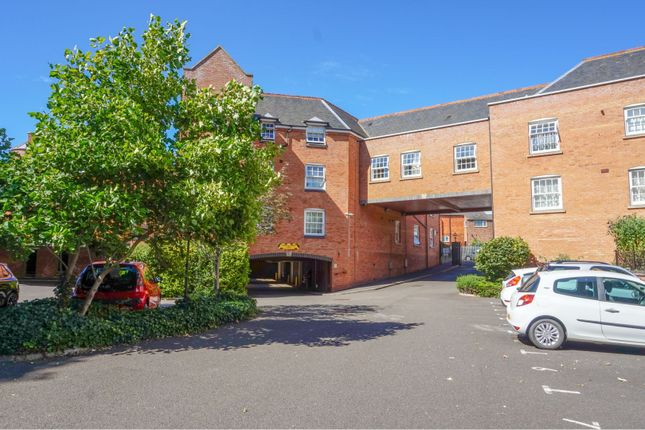 Thumbnail Flat for sale in Well Lane, Rothwell, Kettering