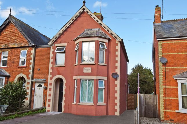 Thumbnail Semi-detached house for sale in Queens Road, Newbury, Berkshire
