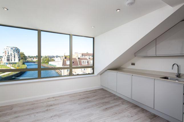 Flat for sale in Victoria Bridge Road, Bath