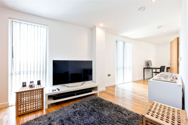 2 bed flat to rent in Appold Court, 8 Godfrey Place, London