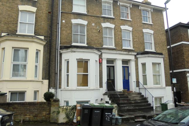 2 bed flat to rent in Limes Grove, Lewisham