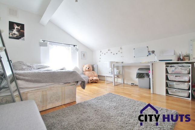 Thumbnail Maisonette to rent in St. Augustines Road, London